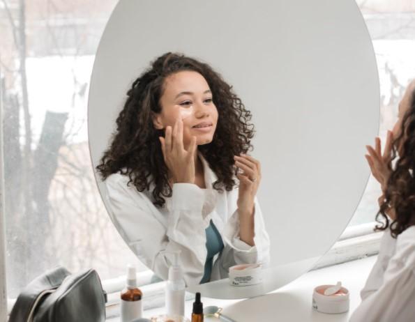 Rola witaminy C w pielęgnacji skóry twarzy